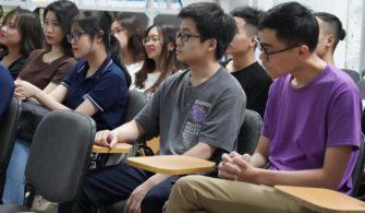 Sinh viên năm cuối khoa Vật lý băn khoăn điều gì?